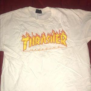 Thrasher shirt🔴